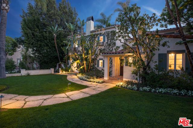 611 N Rexford Drive, Beverly Hills CA: http://media.crmls.org/mediaz/7DFFC437-65A7-42F6-84C1-1A00040CBB28.jpg