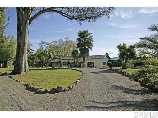 6710 El Montevideo, Rancho Santa Fe CA: http://media.crmls.org/mediaz/7E307FEA-41AE-4E34-917D-820930504720.jpg