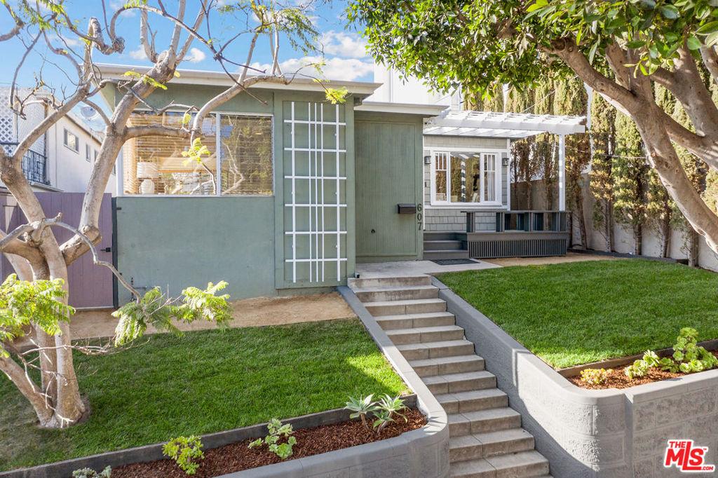 607 Ashland Avenue #  Santa Monica CA 90405