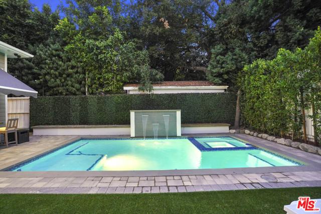 4053 Laurelgrove Avenue, Studio City CA: http://media.crmls.org/mediaz/7E45DEA9-A6B1-4F05-96F9-344FA213E92C.jpg