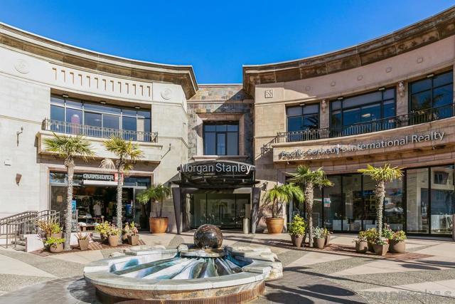 7811 Eads Avenue, La Jolla CA: http://media.crmls.org/mediaz/7E7C0FFF-45B5-4219-A9CE-9C78680524EB.jpg