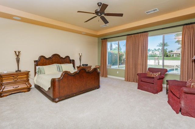 81410 Golf View Drive, La Quinta CA: http://media.crmls.org/mediaz/7E856E50-681F-460C-8817-DF644A658B1F.jpg