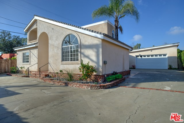 Single Family Home for Rent at 7815 Crenshaw Boulevard Los Angeles, California 90043 United States