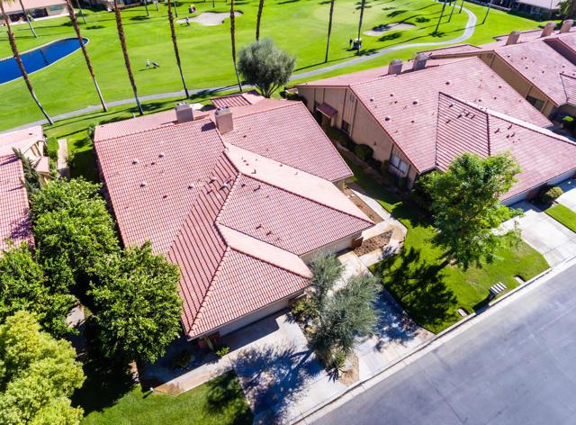 122 Conejo Circle, Palm Desert CA: http://media.crmls.org/mediaz/7EA3C4E4-2CF3-456E-A1D8-F4617F12D895.jpg