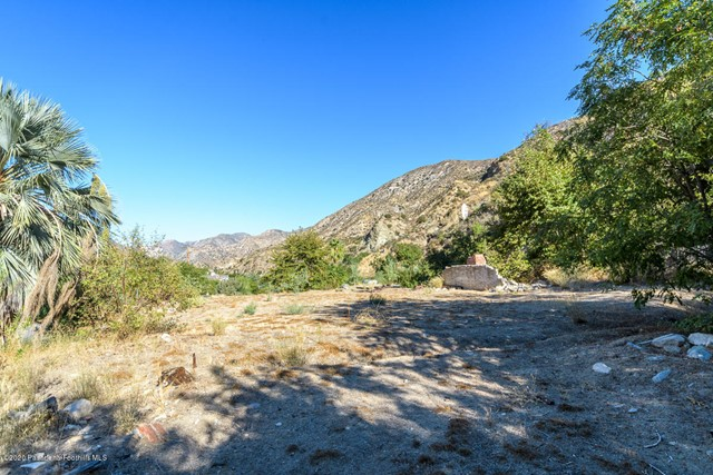 Detail Gallery Image 1 of 28 For 2407 Stonyvale Rd, Tujunga,  CA 91042 - – Beds | – Baths