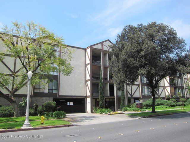 65 Allen Avenue, Pasadena, California 91106, 2 Bedrooms Bedrooms, ,2 BathroomsBathrooms,Residential,For Rent,Allen,819003822