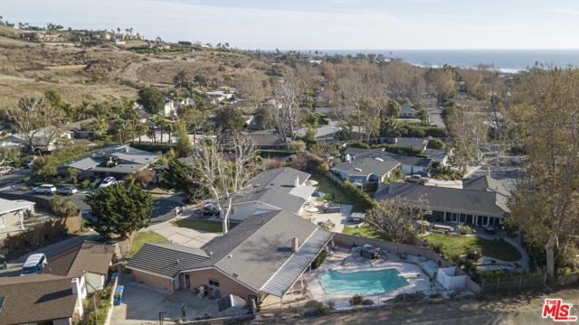 30715 Monte Lado Dr, Malibu, CA 90265 photo 4