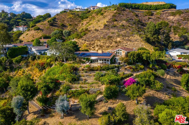 1243 Las Lomas Ave, Pacific Palisades, CA 90272 photo 4