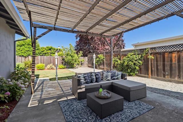 6239 Hokett Way, San Jose CA: http://media.crmls.org/mediaz/7F88E652-6B0C-43C5-B633-F56C429C7E6F.jpg