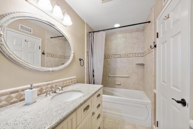 658 Bonwit Place, Simi Valley CA: http://media.crmls.org/mediaz/7FA274CC-8948-4CE8-9978-1799AE3F4DF6.jpg