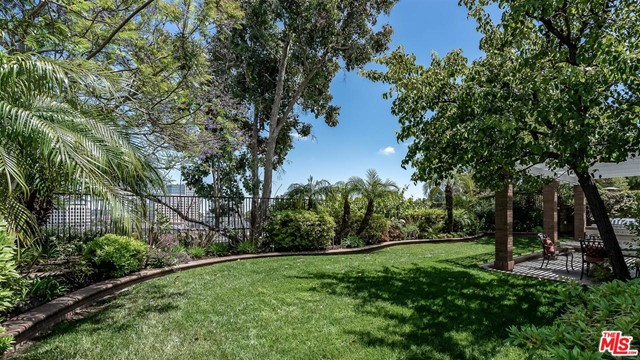 6531 RIGGS Place, Los Angeles CA: http://media.crmls.org/mediaz/7FEBA807-7DBD-4E00-9998-34E57D1C73A8.jpg