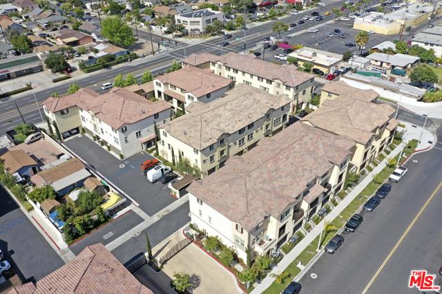 1530 W 1St Street, Santa Ana CA: http://media.crmls.org/mediaz/80161855-A4BA-4550-840F-462DB6521A50.jpg