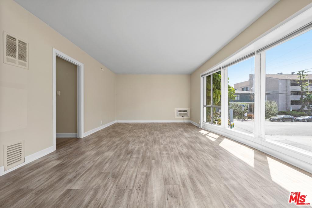 8555 Sherwood Drive # 8 West Hollywood CA 90069