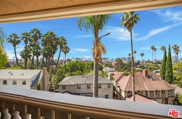 2027 Morgan Hill Drive, Los Angeles CA: http://media.crmls.org/mediaz/804C9844-73CB-4792-8E13-D81D63FA97EC.jpg