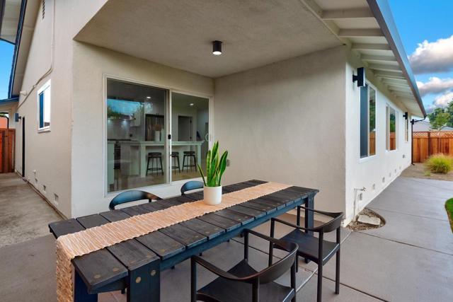 1604 Corte De Medea, San Jose CA: http://media.crmls.org/mediaz/80547F2D-ABB6-4D96-A699-B02F75E440CD.jpg