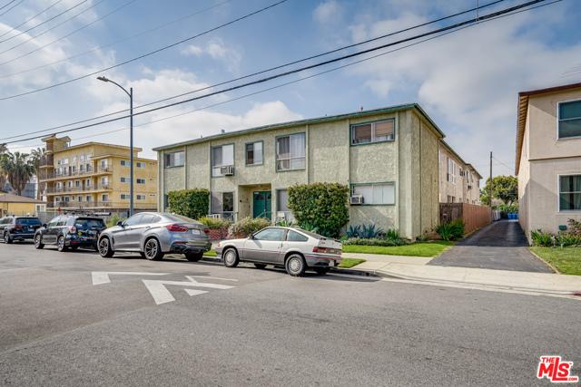 4361 Berryman Avenue, Los Angeles CA: http://media.crmls.org/mediaz/80A33F2A-25E0-4702-85C4-875114A3F15E.jpg