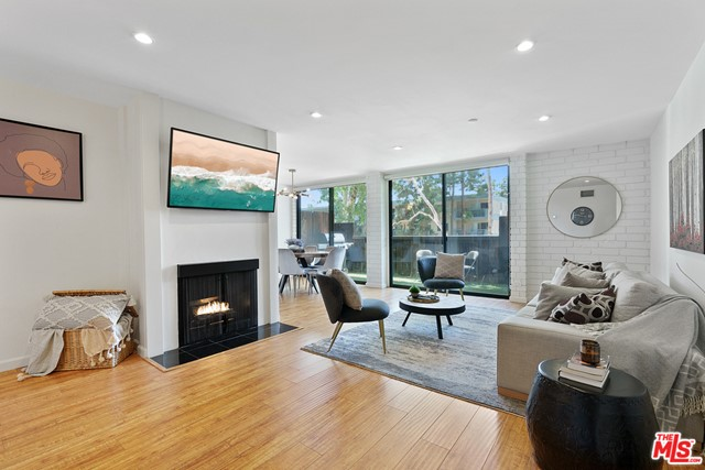 15515 W Sunset Blvd A06, Pacific Palisades, CA 90272