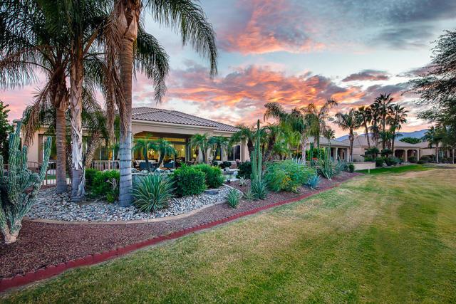 59 Calle De Oro, Rancho Mirage CA: http://media.crmls.org/mediaz/816647B4-52B7-46A3-847C-2BEF220E9B83.jpg