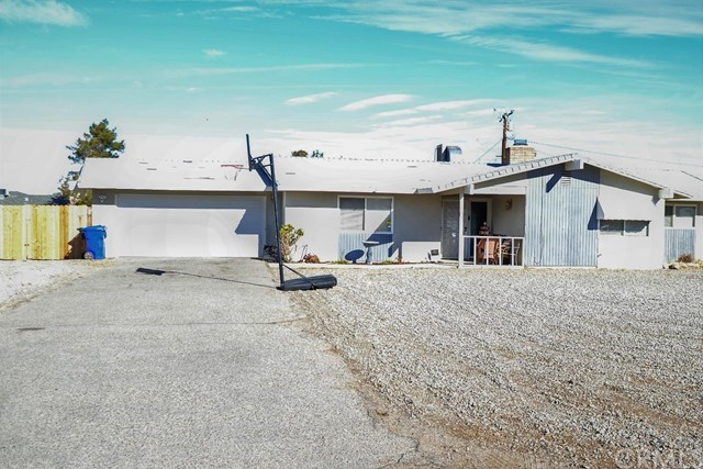 21010 Chama Road Apple Valley CA 92308