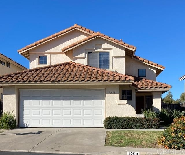 Detail Gallery Image 1 of 30 For 1253 Capistrano Lane, Vista,  CA 92081 - 3 Beds | 2/1 Baths