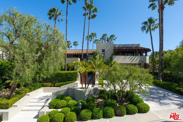 Photo of 3348 CLERENDON Road, Beverly Hills, CA 90210
