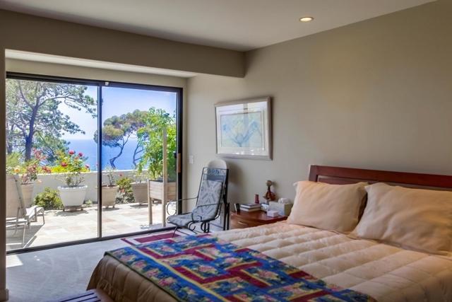13330 Caminito Mar Villa, Del Mar CA: http://media.crmls.org/mediaz/834AF9C6-10D2-4CF2-B073-A015FEEF69BF.jpg