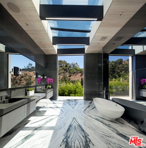 Additional photo for property listing at 1822 Marcheeta Place  Los Angeles, California 90069 United States