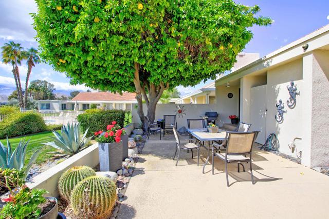 34800 Mission Hills Drive, Rancho Mirage CA: http://media.crmls.org/mediaz/8366FA89-3FAA-4F8C-8053-C410C09B702E.jpg