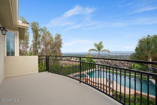 20828 Vercelli Way, Porter Ranch CA: http://media.crmls.org/mediaz/837424FD-70AA-48DF-AA46-994EF592508F.jpg