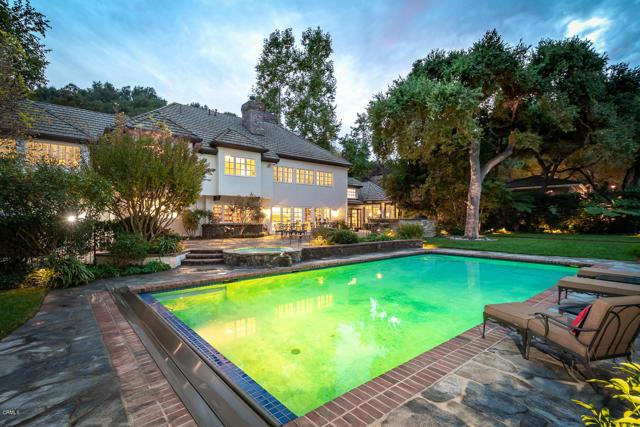 511 Berkshire Avenue, La Canada Flintridge CA: http://media.crmls.org/mediaz/83C13760-279A-469C-B5B5-1A6FD0E99A60.jpg