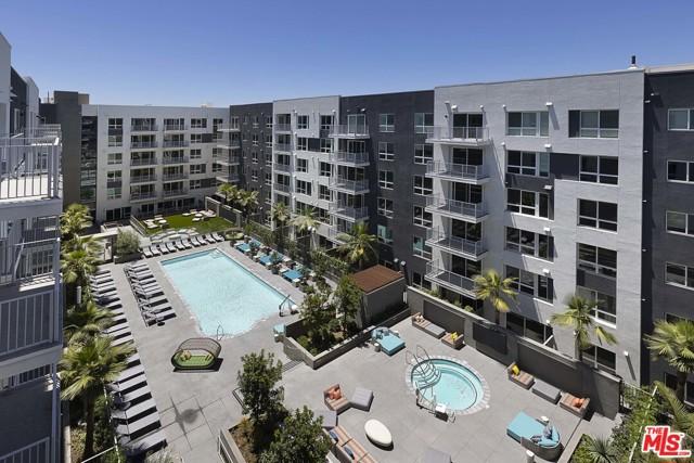 1331 N Cahuenga Boulevard, Los Angeles CA: http://media.crmls.org/mediaz/8442918D-A69E-4050-846D-E97E80F76890.jpg