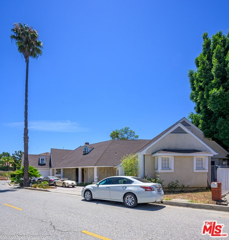 903 Linda Flora Dr, Los Angeles, CA 90049 Photo 4