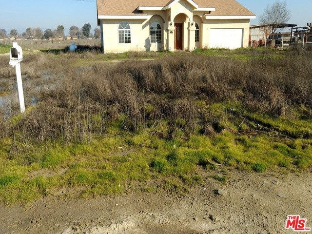 Single Family Home for Sale at 10486 cristina st Delano, California 93215 United States