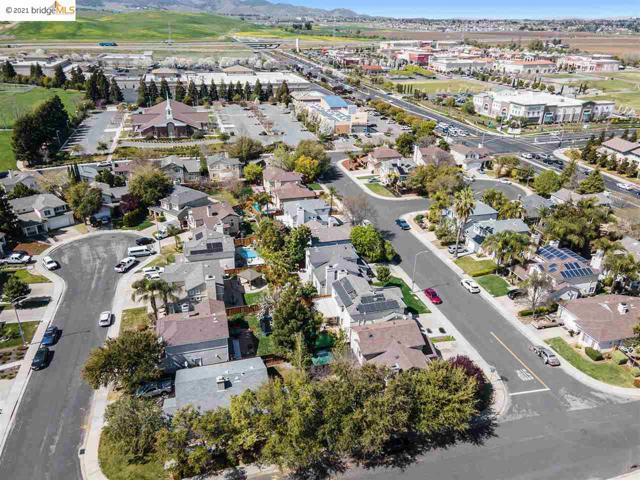 1804 Shadowcliff Way, Brentwood CA: http://media.crmls.org/mediaz/84D76A94-0FB4-48A5-886D-689BB6D99902.jpg