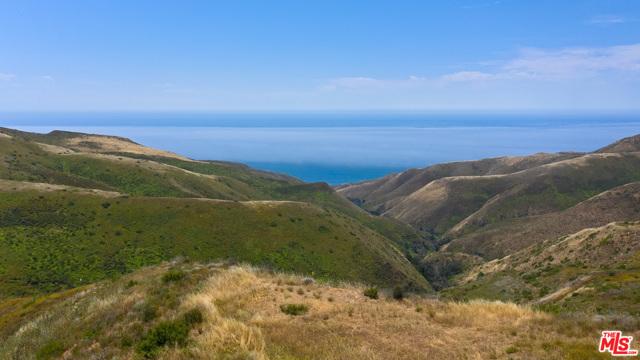 11100 Pacific View Road, Malibu CA: http://media.crmls.org/mediaz/8530D979-9CFE-4998-B339-E4554856B8CA.jpg