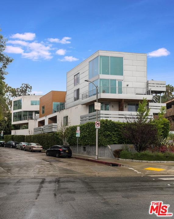 6683 FRANKLIN Avenue 7  Los Angeles CA 90028