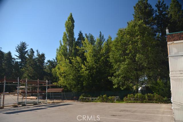 26567 Pine Avenue, Rimforest CA: http://media.crmls.org/mediaz/8568DADF-B335-4D7D-8012-89843DE50DDD.jpg