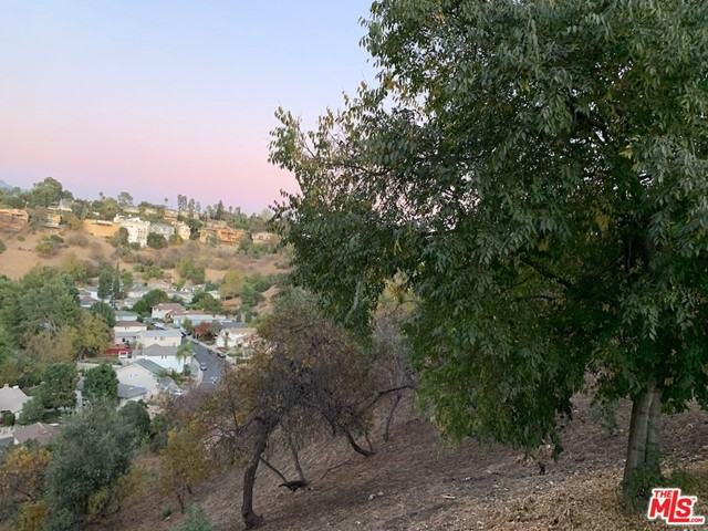 927 Rome, Los Angeles CA: http://media.crmls.org/mediaz/8578B9F3-8ACF-46C6-8776-4062904E7600.jpg