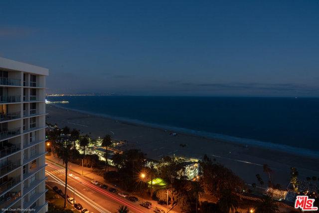 201 OCEAN Avenue, Santa Monica CA: http://media.crmls.org/mediaz/85A4A068-0B1C-423E-8DE5-D2C132251D89.jpg