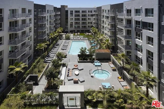 1331 N Cahuenga Boulevard, Los Angeles CA: http://media.crmls.org/mediaz/85A7764C-2304-4932-B78F-72CBC3BD2156.jpg