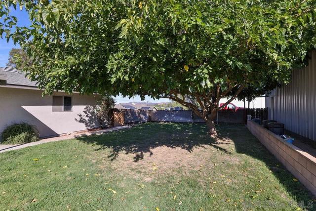 1042 11Th St, Ramona CA: http://media.crmls.org/mediaz/864b5267-5d6d-487b-89ec-f9dff9413e49.jpg