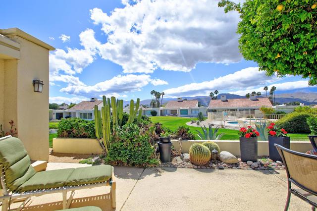34800 Mission Hills Drive, Rancho Mirage CA: http://media.crmls.org/mediaz/8674B7F7-5439-46AF-95EC-E281E70615A1.jpg