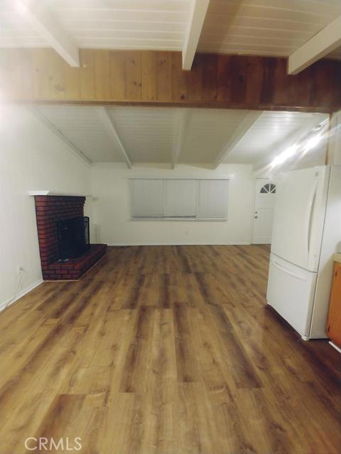 32008 Edison Way, Running Springs CA: http://media.crmls.org/mediaz/8681DB2B-9787-4F87-8373-40F99728FC69.jpg