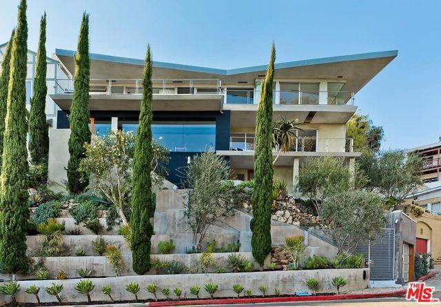 7831 Hillside Avenue, Los Angeles CA: http://media.crmls.org/mediaz/86AAA838-236E-454B-8A38-A39E39256E80.jpg