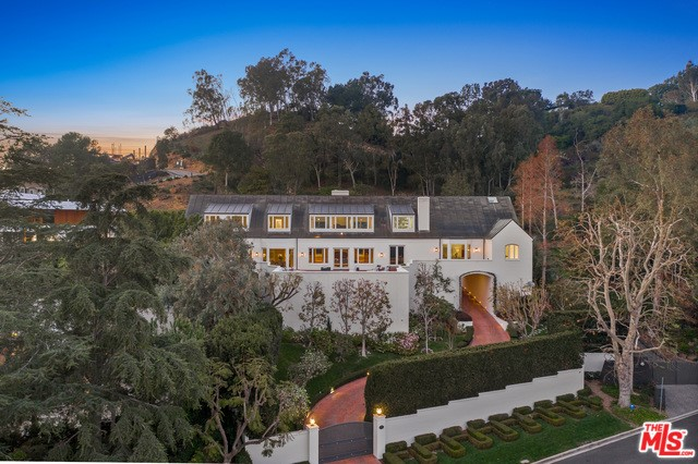 Photo of 675 MACCULLOCH Drive, Los Angeles, CA 90049