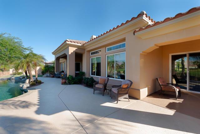 59 Calle De Oro, Rancho Mirage CA: http://media.crmls.org/mediaz/86FFA4D8-E3AE-4E07-AD2E-906A84A6A3D3.jpg