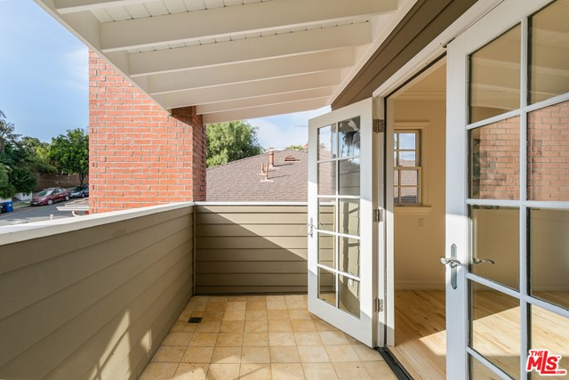 3718 Colonial Ave, Los Angeles, CA 90066 photo 35