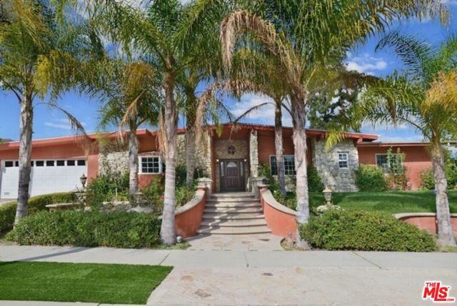 Photo of 24301 Aetna Street, Woodland Hills, CA 91367