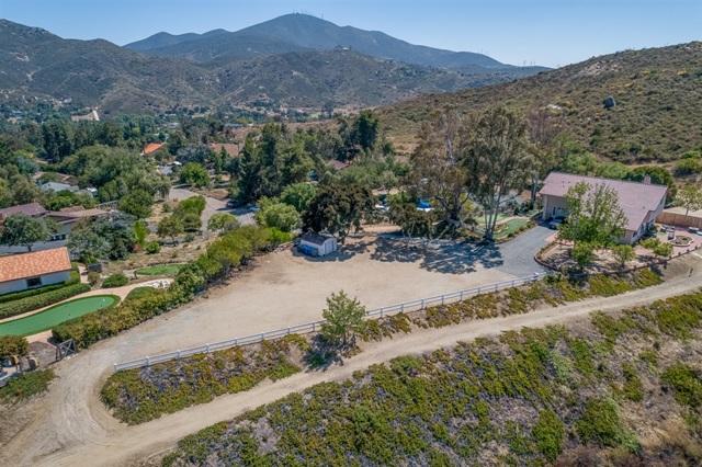 3251 Vista Cielo Ln, Spring Valley CA: http://media.crmls.org/mediaz/8854485A-594D-40A6-A353-C19EE95A38F3.jpg