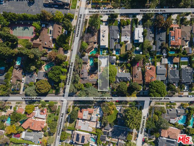 3848 Vantage Avenue, Studio City CA: http://media.crmls.org/mediaz/886131F7-F320-4B1A-97D2-CAE1EF3F2EA6.jpg